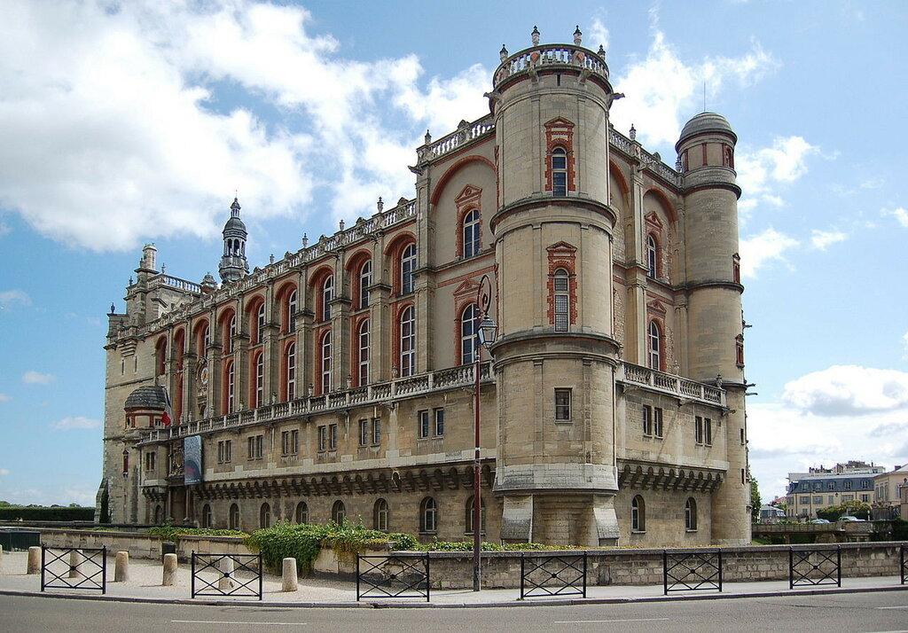 1280px-Chateau_de_St_Germain-en-laye.JPG