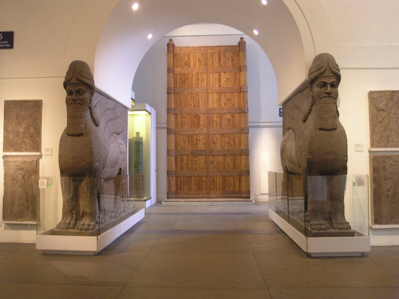 BM;_RM6_-_ANE,_Assyrian_Sculpture_13_West_Wall_(M_+_N)_-_Assyrian_Empire_+_-Lamassu,_Gates_at_Balawat,_Relief_Panel's)_&_Full_Projection.2.JPG