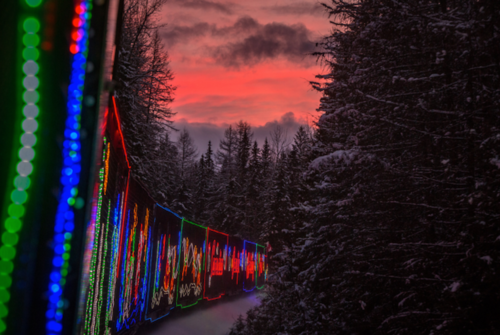 Рождественский поезд из Канады в Америку