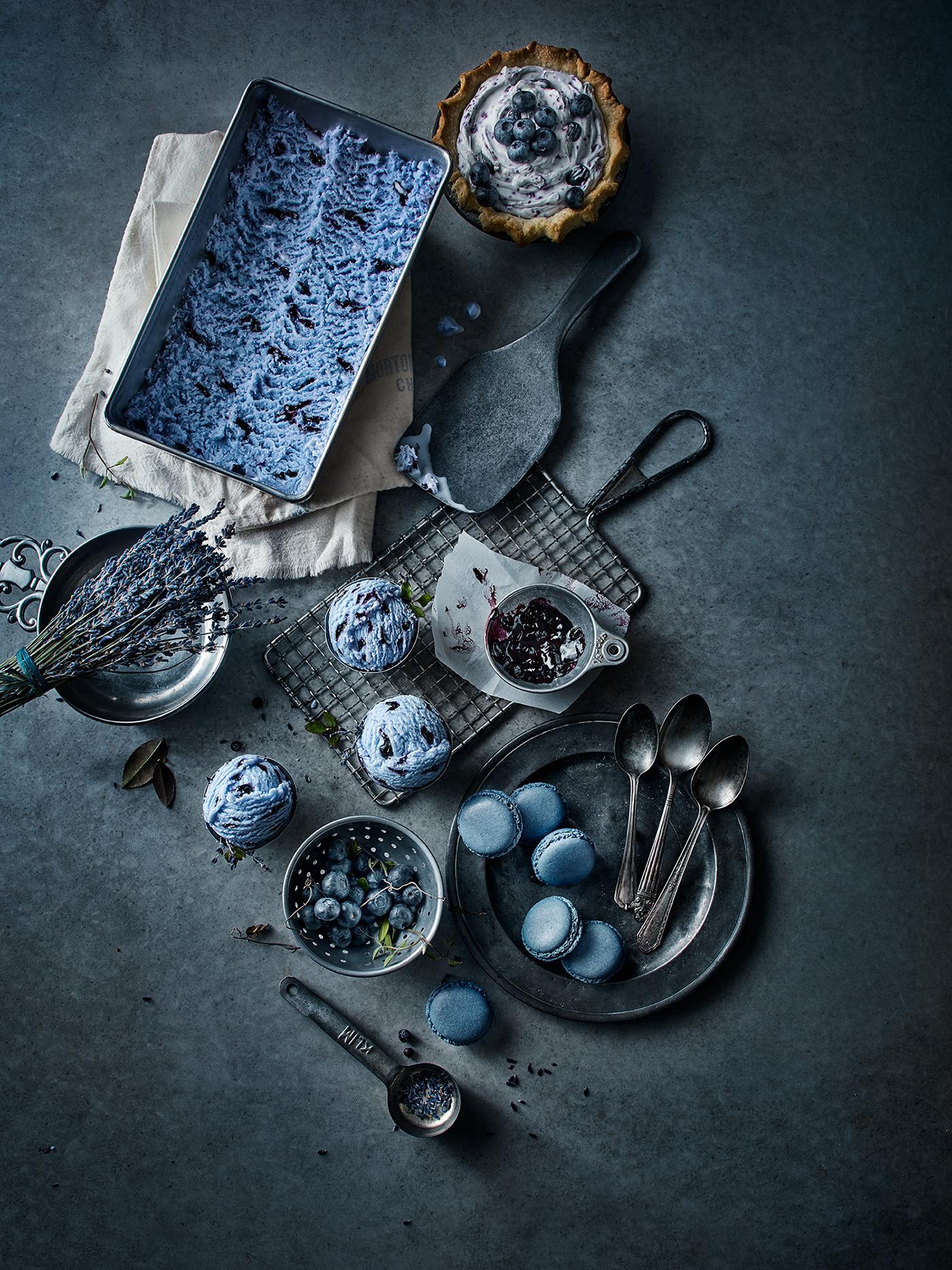 Черное, белое и голубое / фото Greg Stroube