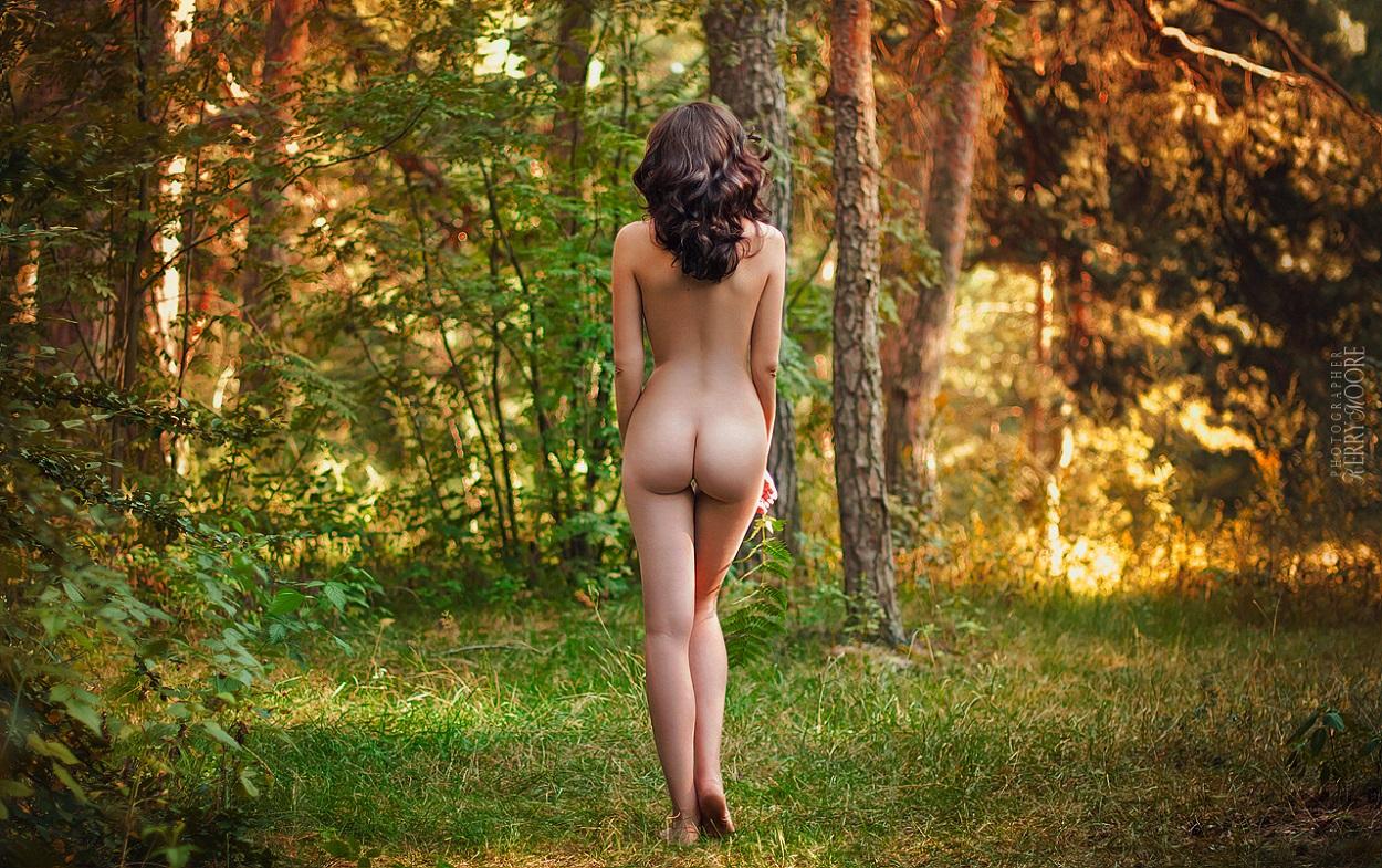 прогулка в голом виде на природе черница так