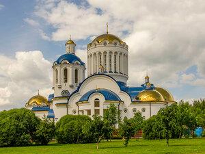 Собор Всех Московских святых в Бибирево - самый большой храм России !