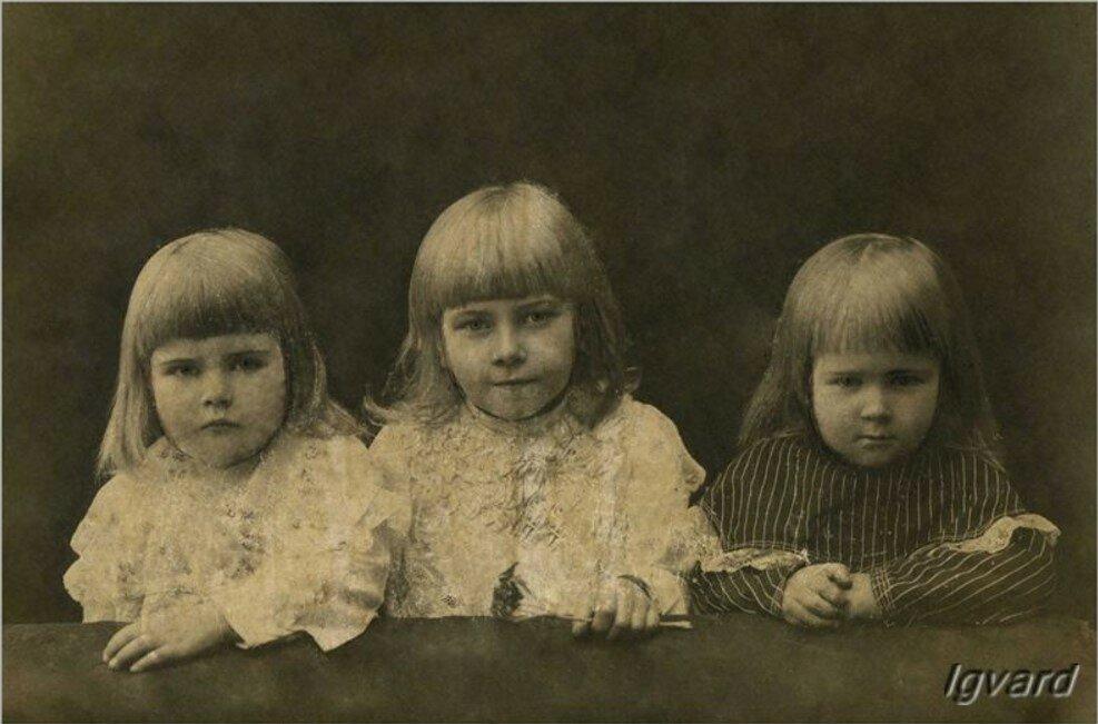 Дочери А.В.Барышникова. Зоя, Наталья, Мария (слева-направо)