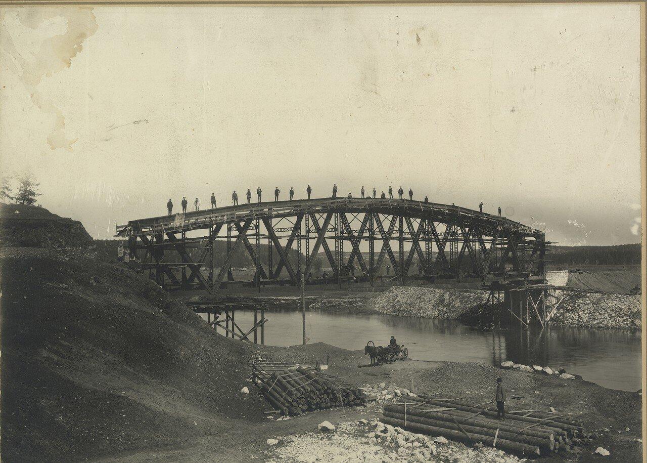 1916. Строительство моста через р. Уфу близ ст. Нязепетровская