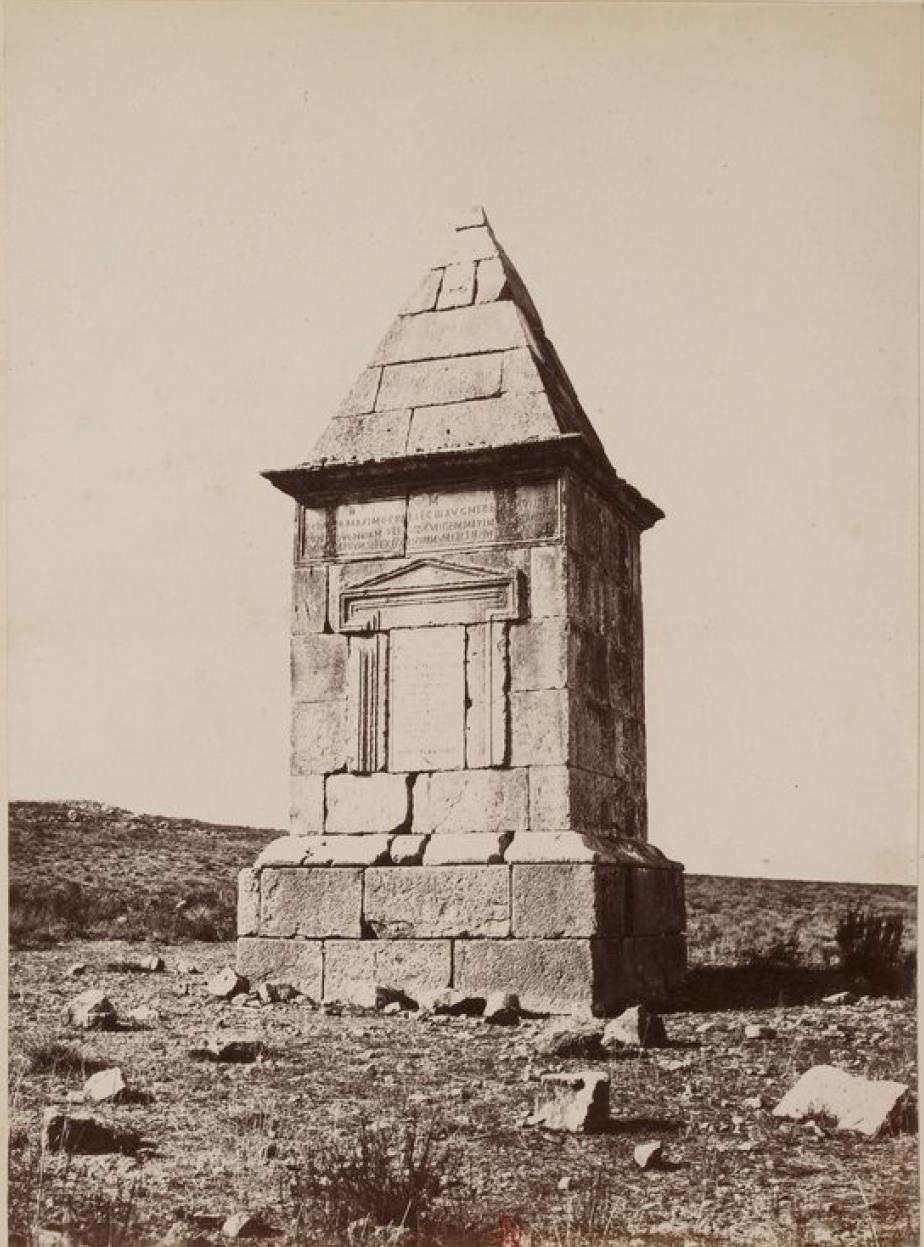 Ламбезис. Гробница Флавиев