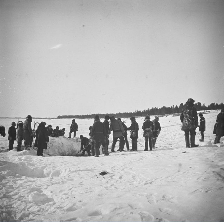 Зимняя рыбная ловля у самоедов