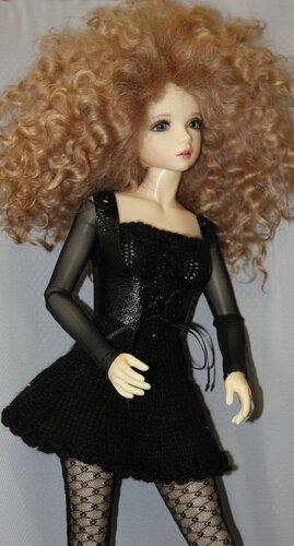 Эми в чёрном