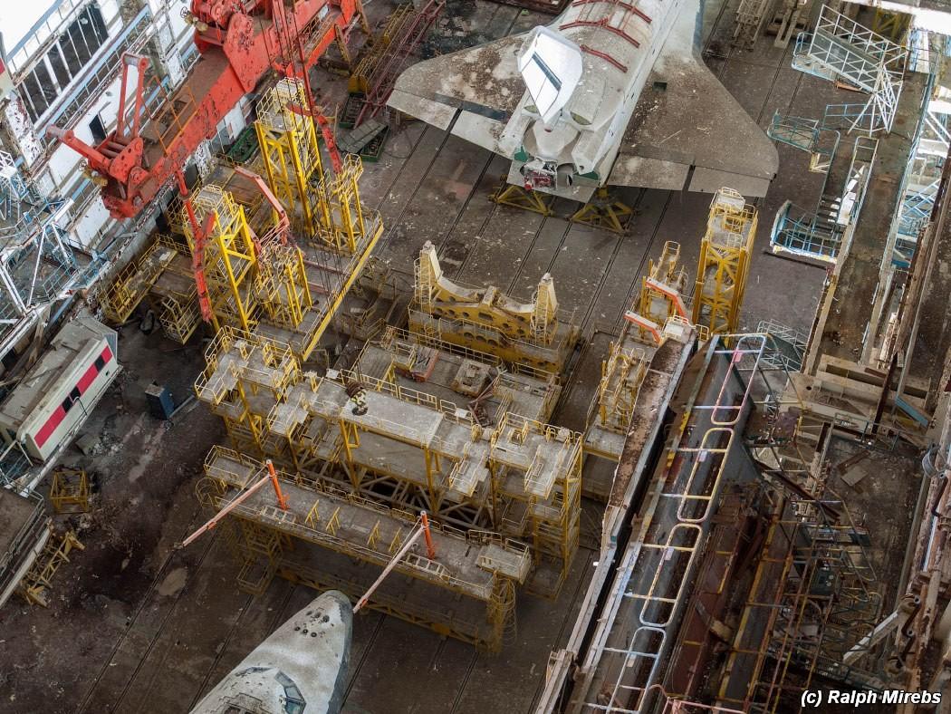 5. В настоящее время внутри МЗК находятся два корабля, один из которых второй летный экземпляр «Буря