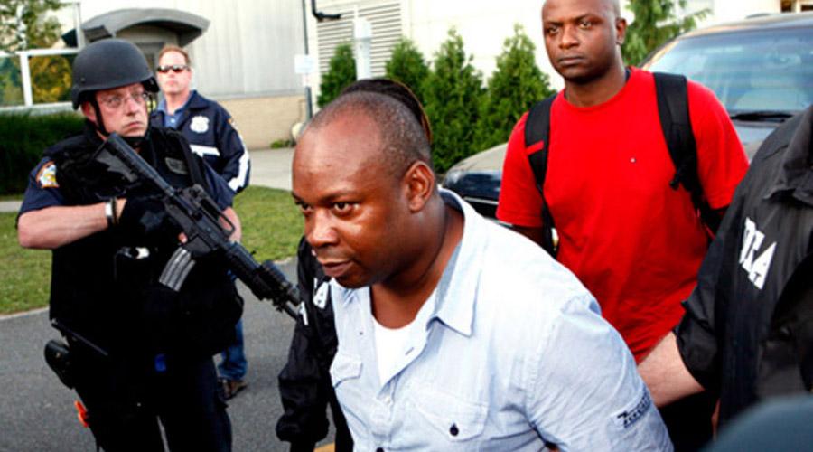 Кристофер Коук Кристофер, больше известный под кличкой Дудус, стал наркобароном всего в 23 года. Пар