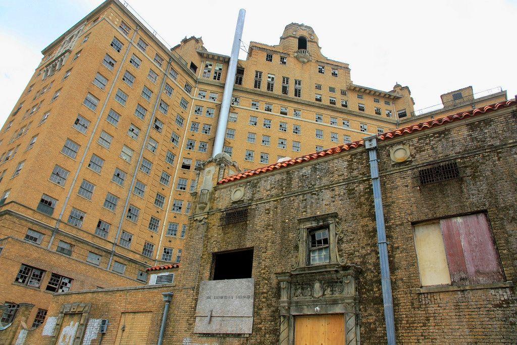 3. Отель Baker, Техас В начале XX столетия жители города Минерал-Уэлс оценили возможности минеральны