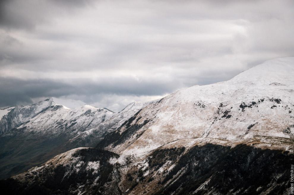 Фотослайд «Зима» 12. Катаясь через Крестовый перевал летом, наверное, сложно представить, что н