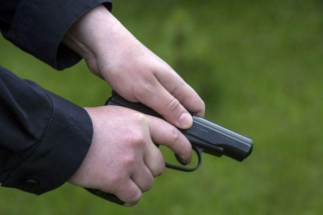 ВТольятти на ученическом стадионе обидчик вмаске застрелил мужчину