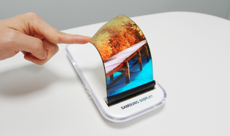 Когда Самсунг выпустит гибкие мобильные телефоны?
