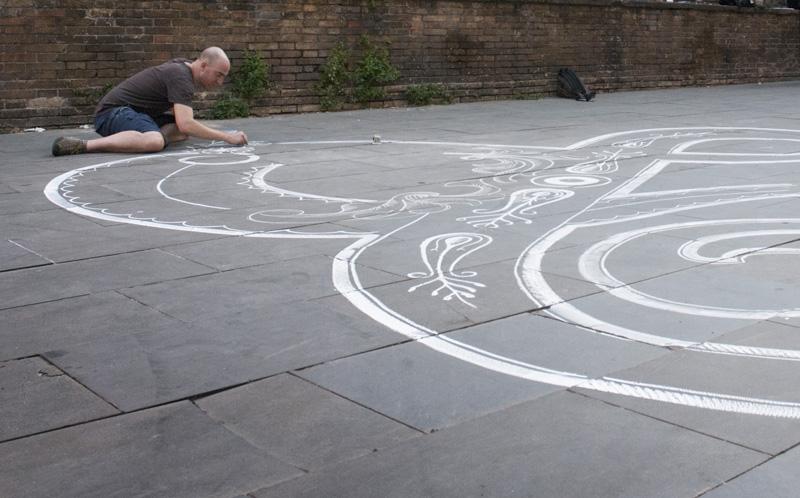 Chalk Ampersand by Tommaso Guerra