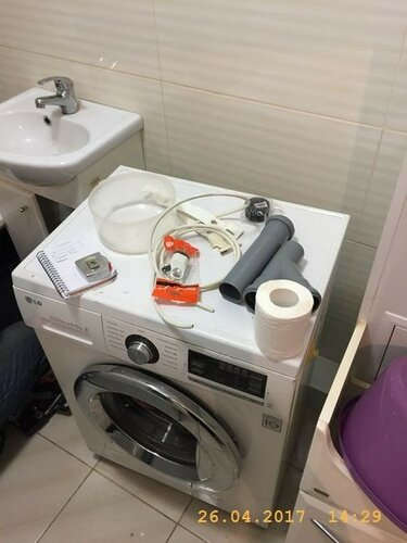 Подключим стиралку к трубопроводам
