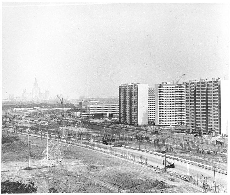 1980 Строительство комплексов Олимпийской деревни.jpg