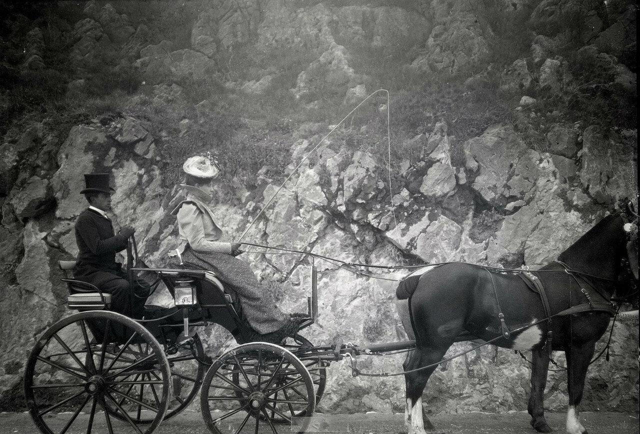 1898. Монако. М.В. Вострякова на прогулке