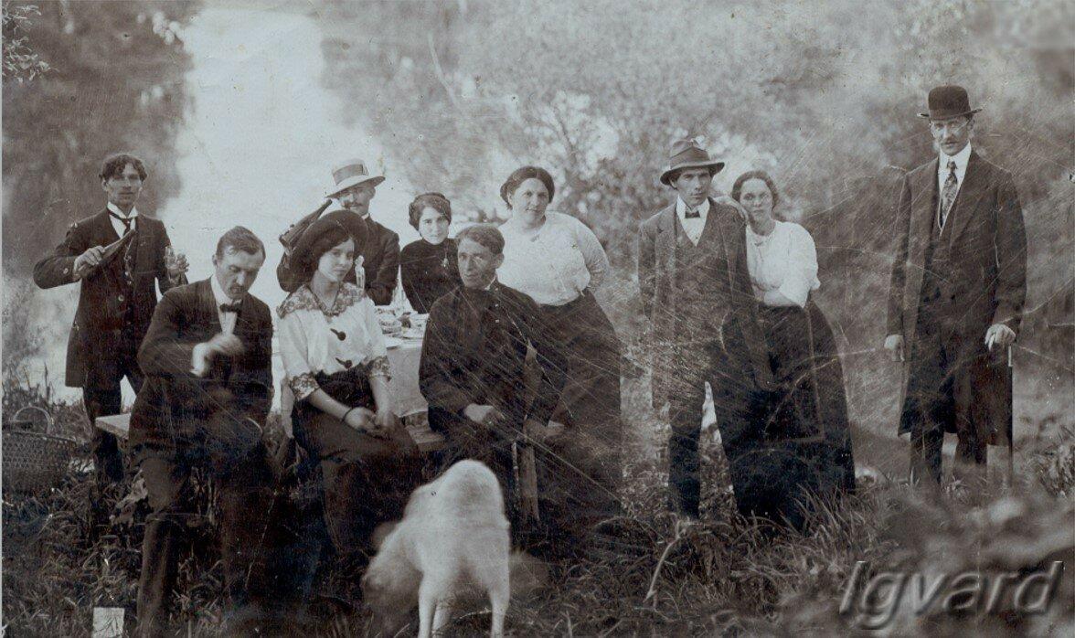 Антон Петренко (Третий справа), рядом с ним – Елена Гиль