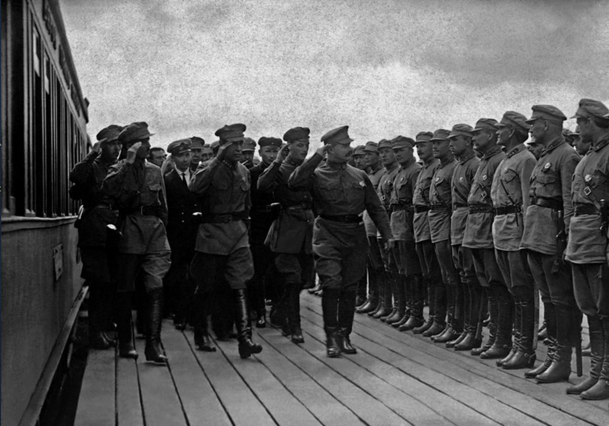 1925. Приезд Михаила Фрунзе на конференцию Ленинградского военного округа