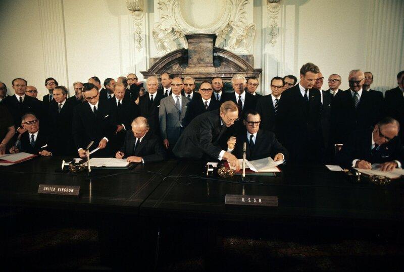 Четырехстороннее соглашение по Западному Берлину было подписано 3 сентября 1971 года в американском секторе Берлина.jpg