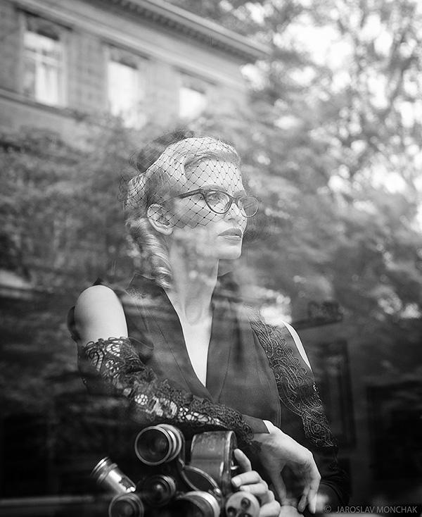 Девушка в очках / Фотограф Ярослав Мончак