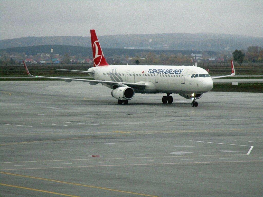 A-321, Turkish Airlines, Koltsovo airport, Yekaterinburg