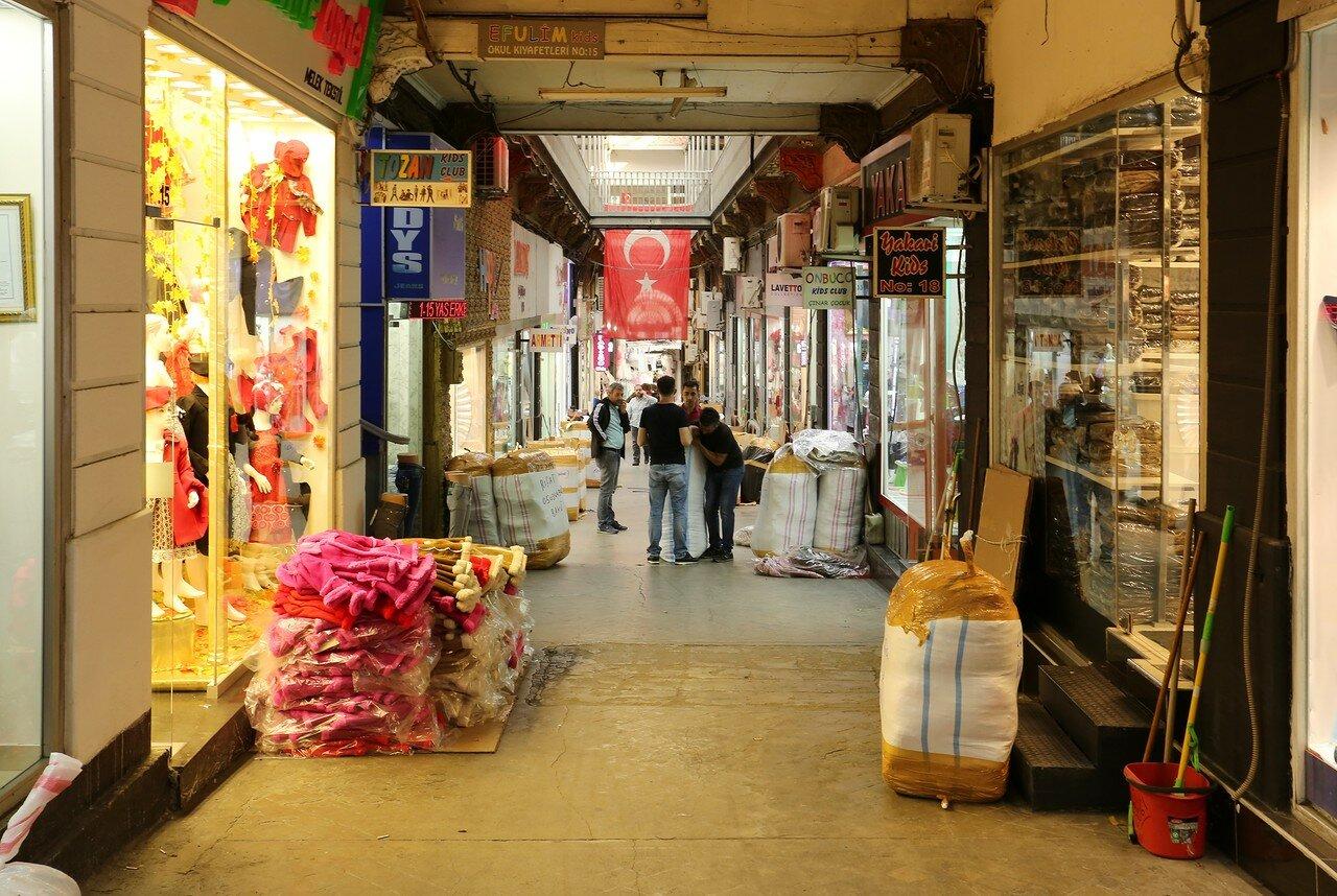 Стамбул. Торговые улицы Фатиха