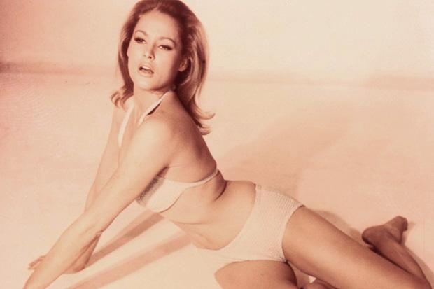 10 горячих актрис 60-х годов (10 фото) 18+