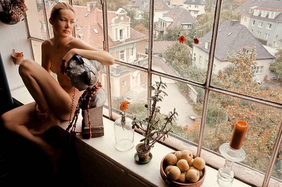 2. Ежемесячный журнал всегда славился тем, что периодически публиковал сенсационные фотографии обнаж