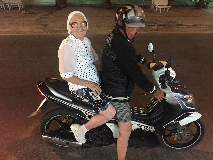 1. «Друзья, я хочу познакомить вас с одним удивительным человеком Недавно я отдыхала во Вьетнам