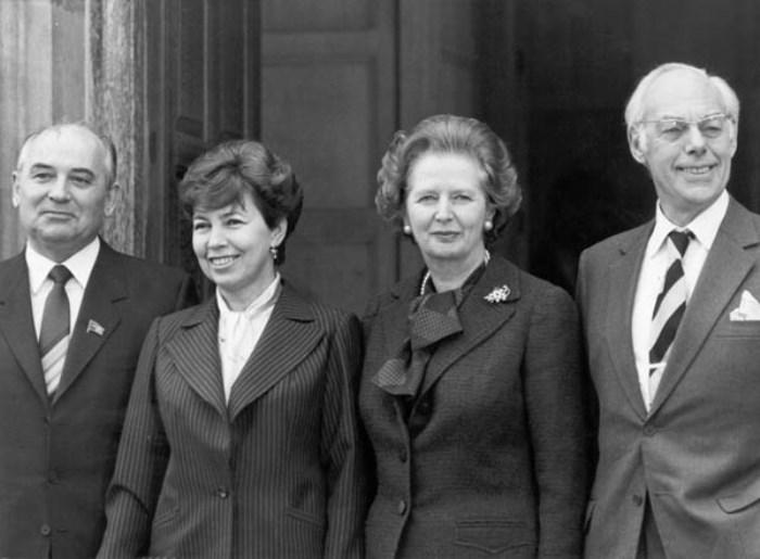 Визит четы Горбачевых в Великобританию, 1989 3. Раиса Горбачева не только всегда и везде сопр