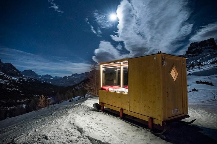 Вместо палатки: вагончик-сани для самых романтических ночей (6 фото)