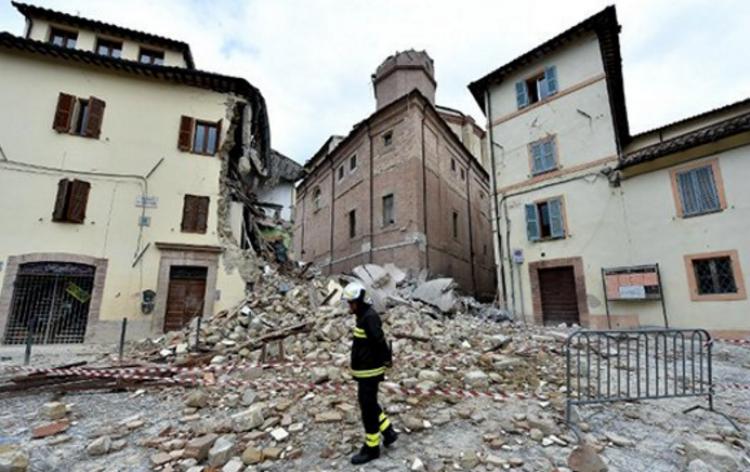 Несколько линий римского метро закрылись после землетрясения