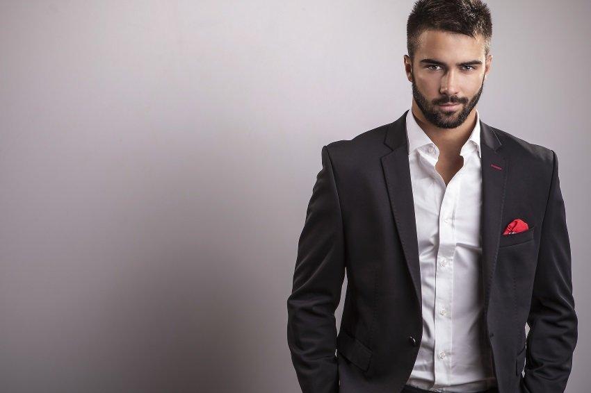 Психологи назвали слова, которые непозволяют себе «крутые мужчины»
