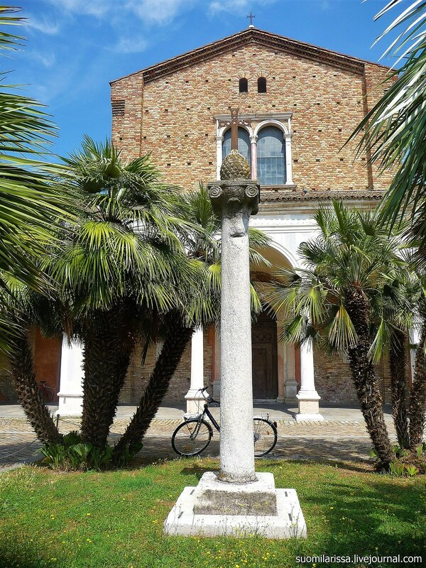 Basilica di Sant'Apollinare Nuovo (11).JPG