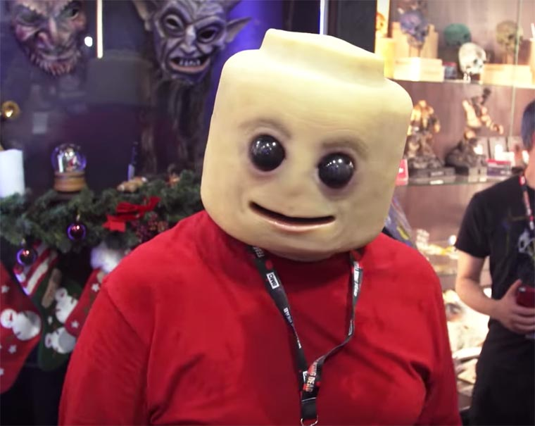CreepyFig - A disturbing and way too realistic LEGO cosplay!