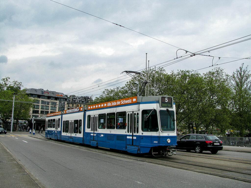 2102.jpg