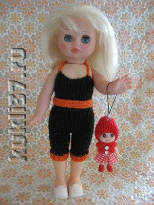 вязаный полукомбинезон для куклы