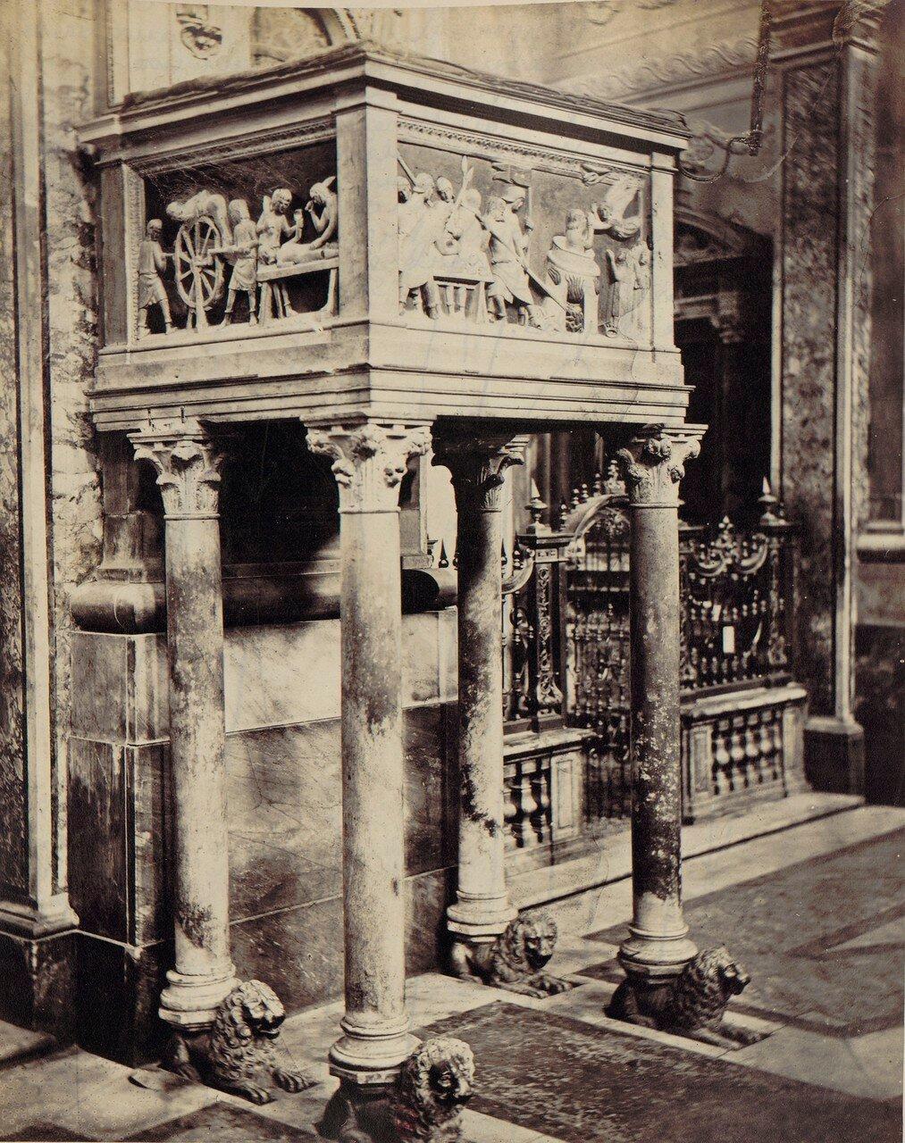 57. Церковь святой Клары Ассизской. Кафедра