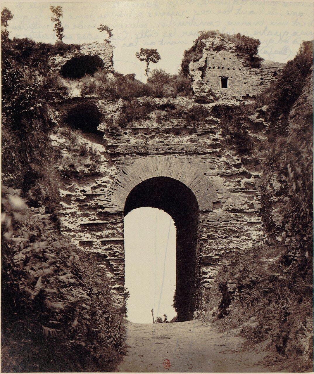 Руины акведука