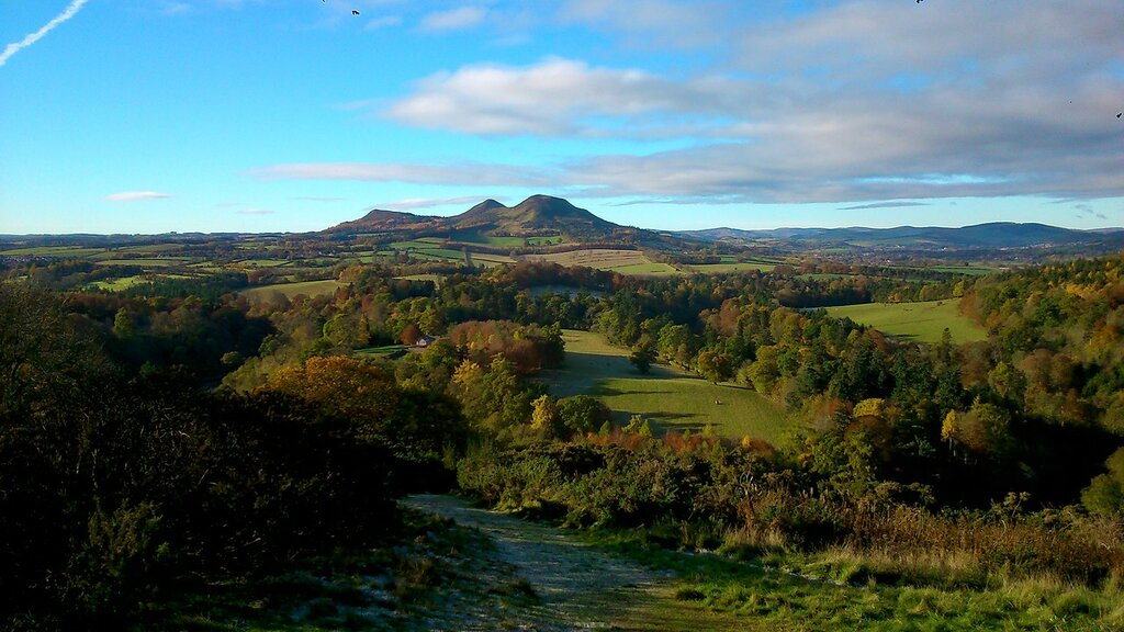 Eildon-Hills-from-Scotts-View.jpg