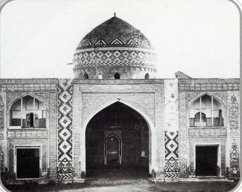 1872-1874 Ереван. Портал Сардарской мечети.jpg