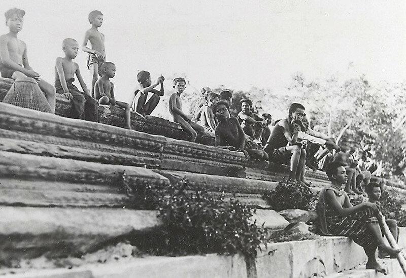 022-life-in-Angkor-Wat.jpg