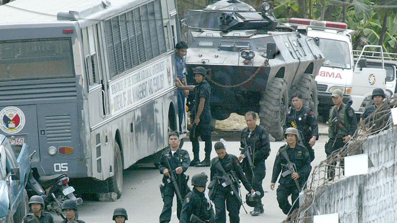 Неизвестные атаковали тюрьму наФилиппинах, неменее  130 заключённых убежали