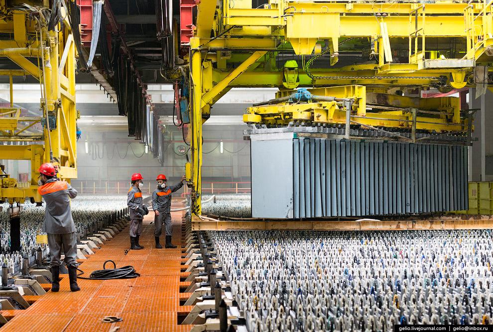30. На долю Челябинского цинкового завода приходится около 2 % мирового и более 60 % российског
