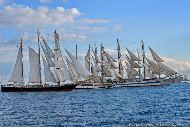 Фантастическое зрелище: паруса над Чёрным морем (37 фото)