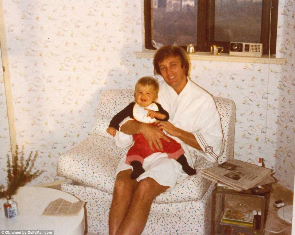 Этот мужчина просто создан для того, чтобы быть отцом и семьянином!