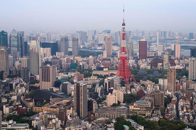 В Японии другая платежная система и с карт Visa вы можете снимать деньги только в аэропорту или