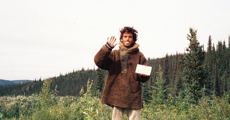 Путешественник Кристофер Маккэндлесс (Chris McCandless).  Последний автопортрет, сделанный Кр