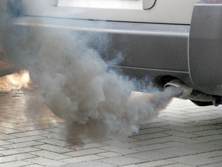 4 человека отравились выхлопными газами вЛенобласти